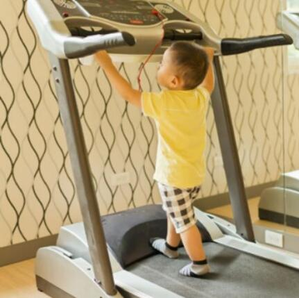 children use the treadmill